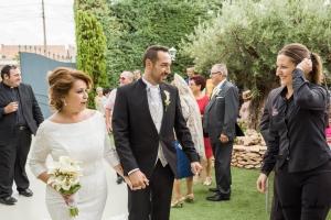 wedding planner con novios en boda