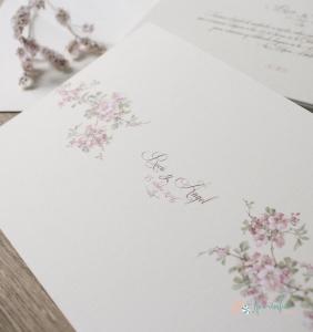 Flores de almendro en invitaciones de boda